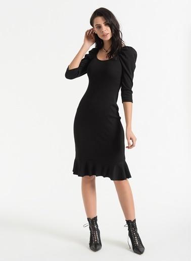Styletag Volan Detaylı Büzgülü Kollu Elbise Siyah